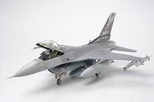 Tamiya F-16C (BLOCK 25/32)