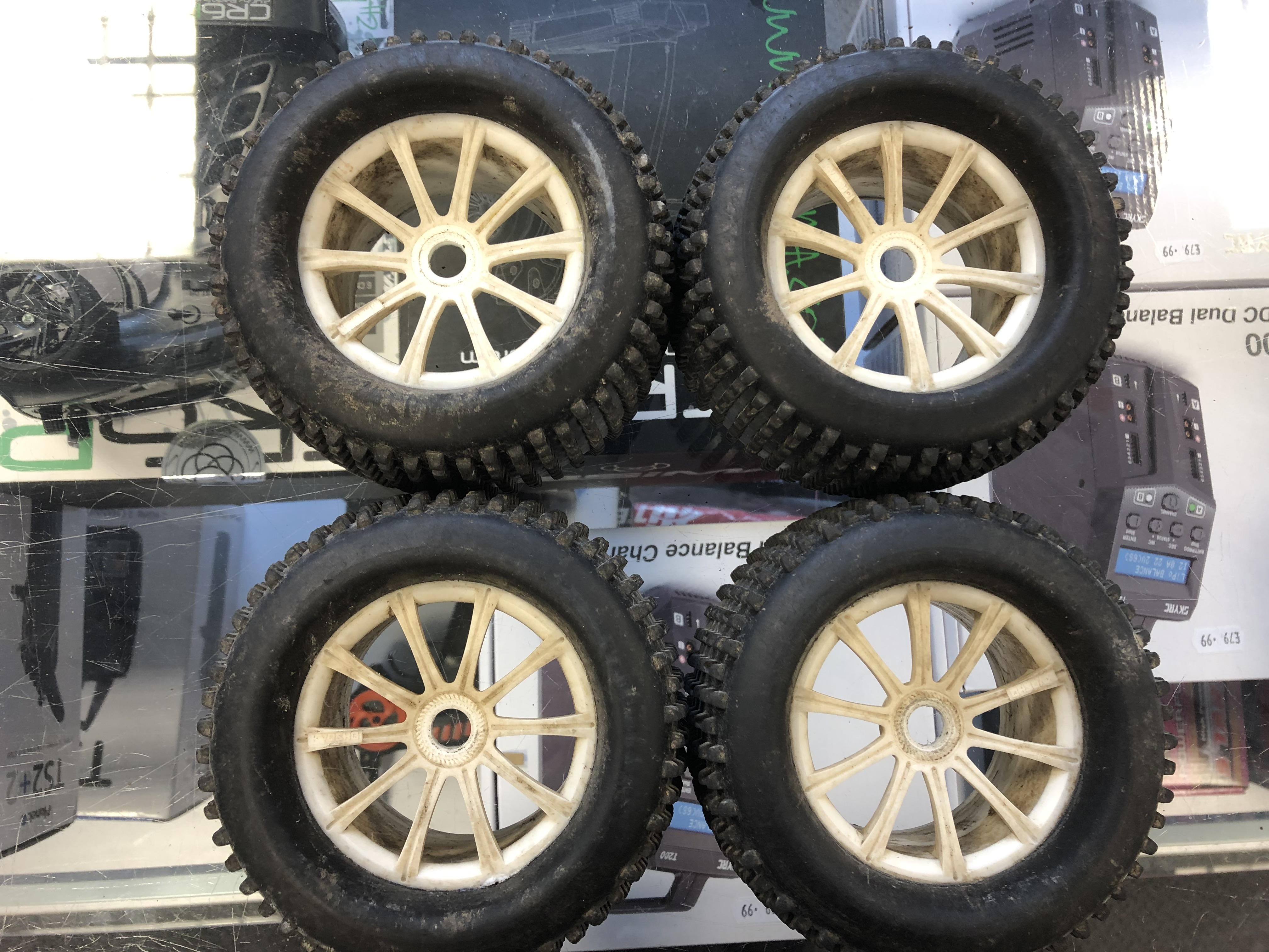 1/8 scale Truggy/buggy wheels & tires