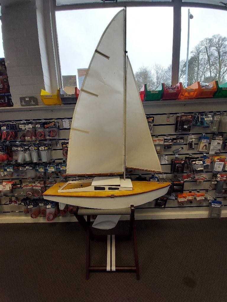 'Happy Daze' Yacht 35in