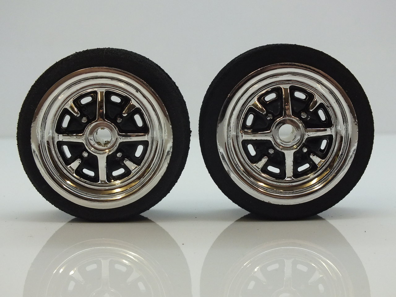 Chrome and Black Hand Painted RoStyle Wheels and Tyres (UFRA Pink) Trued and Glued