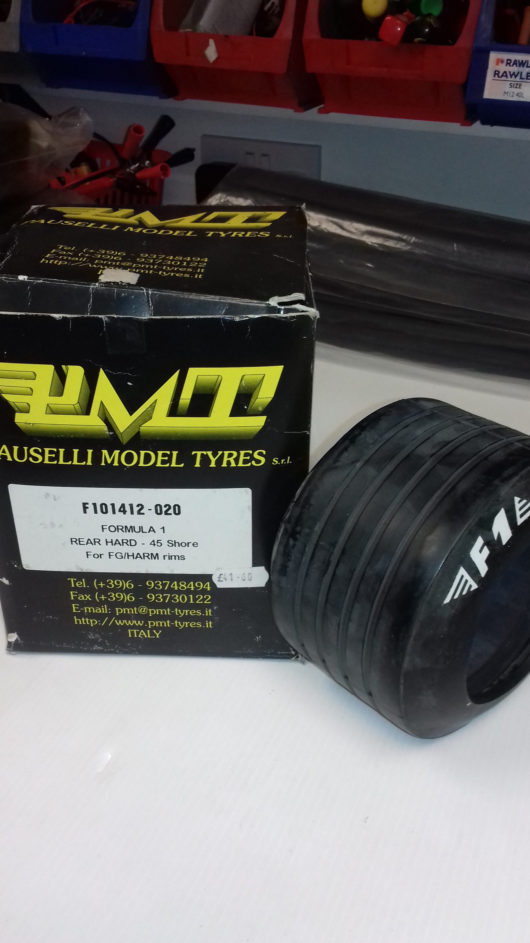 REAR HARD (45 SHORE) GROOVED F1 STYLE TYRE (PAIR)