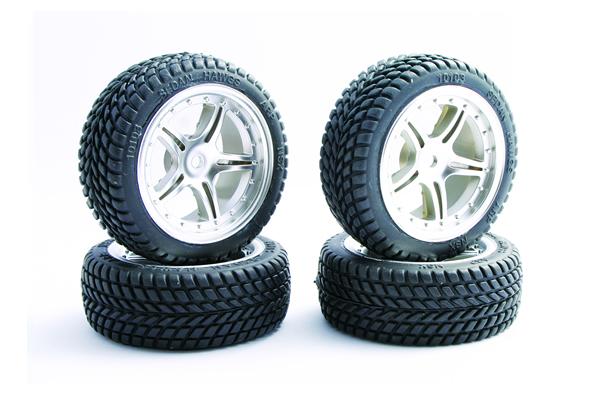 Fastrax Chevron Tread mounted on chrome 5-spoke wheels (4)