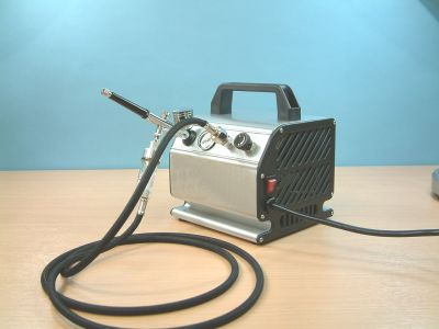 Airbrush and Compressor Kit