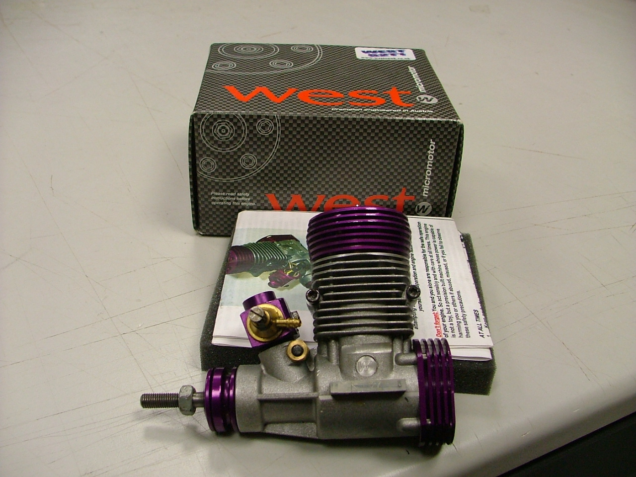 s/h AS NEW WEST 52 TI BOXED NEVER RUN..